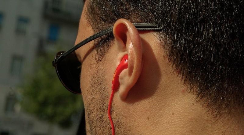 headphones-1301527_960_720